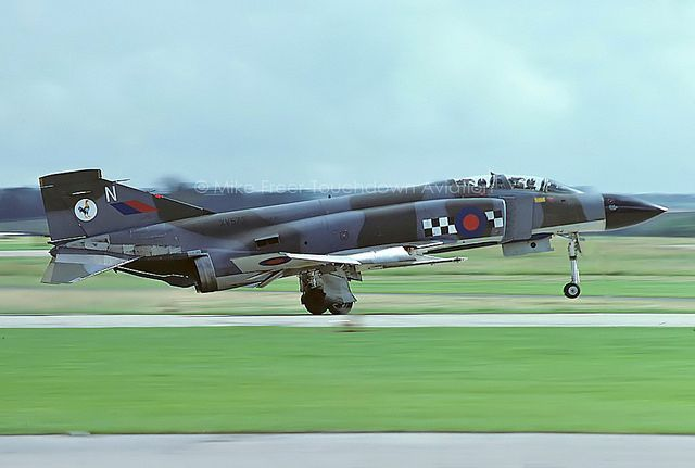 XV572N Phantom FG1 43 Squadron, RAF Leuchars, NAS Yeovilt… | Flickr