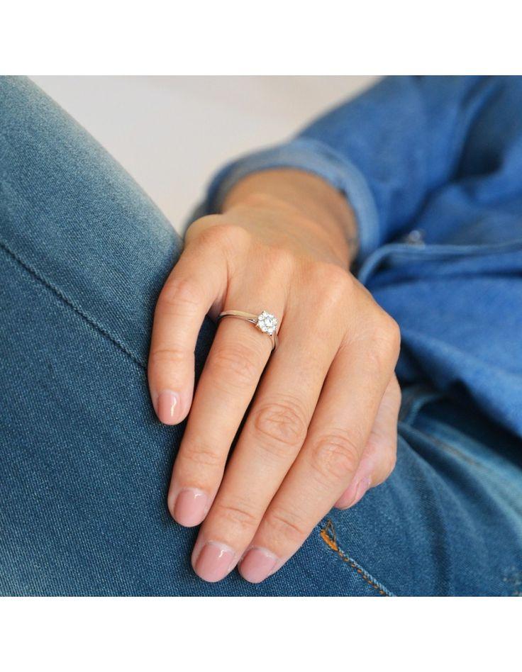 Anillo solitario Alexandra | Anillo de oro blanco con diamantes | beaprincess