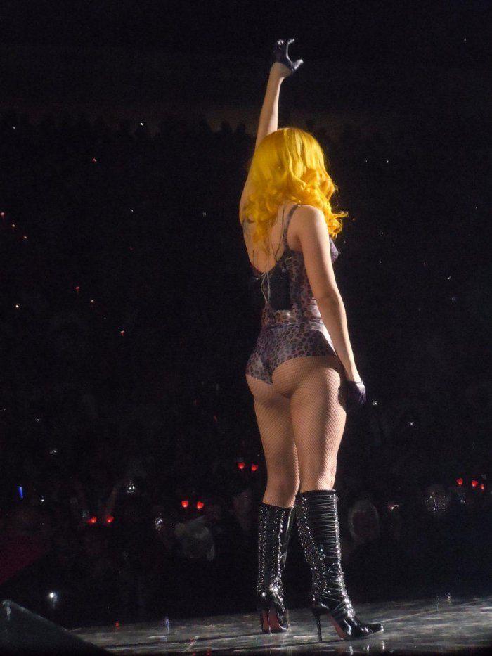 Beyonce sexy short skirts — img 9