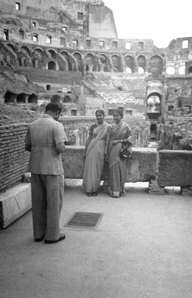 Indian tourist taking pictures at the coliseum - Rome - 1948