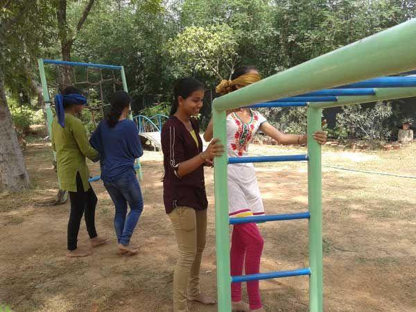 Sense of Touch. Workshop: Whispers of Nature; Facilitator: Sunaina; Venu: The Gnostic Centre; Date: 17 Aug 2014; Participates: Students (Ecology group), Gargi College, Delhi University.