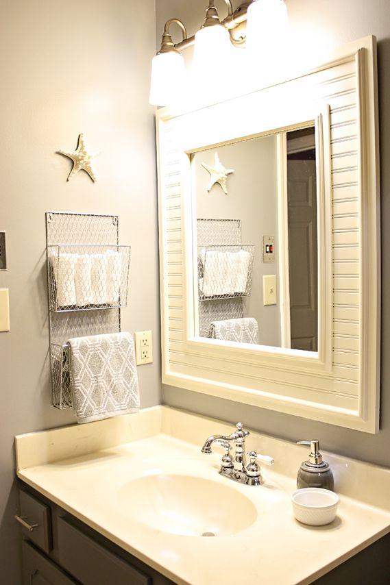 Mail pockets for towel holder/bathroom storage... Clever!