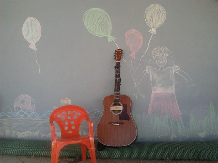 Hamarosan megérkeznek a gyerekek, akiknek zenélhetek...