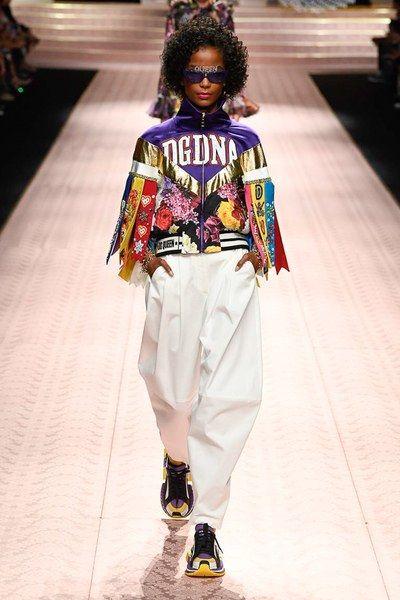 a1df6f3262c2 Dolce   Gabbana Spring 2019 Ready-to-Wear Fashion Show in 2019 ...