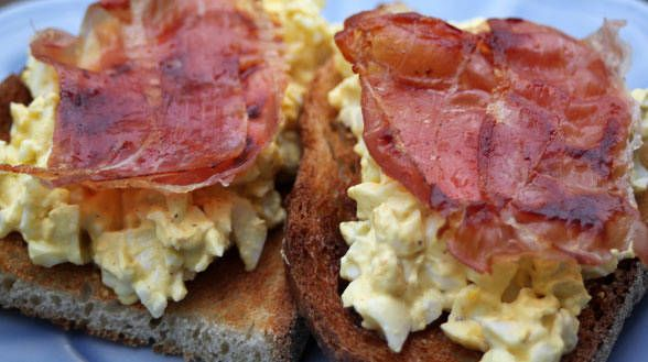 don't swipe 10 Delicious New Twists on the Incredible Egg Salad 4 - https://www.facebook.com/diplyofficial