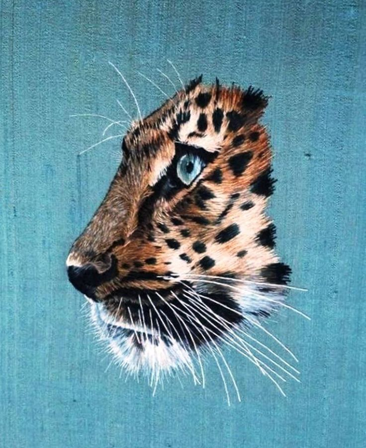 Isn't this thread painted portrait of a leopard fantastic? It's the work of Alena Chenevix Trench. Alena created this piece as part of her advanced silk shading course with the Royal School of Needlework  You can see more of Alena's work on her Pinterest page at https://www.pinterest.com/alchetren/