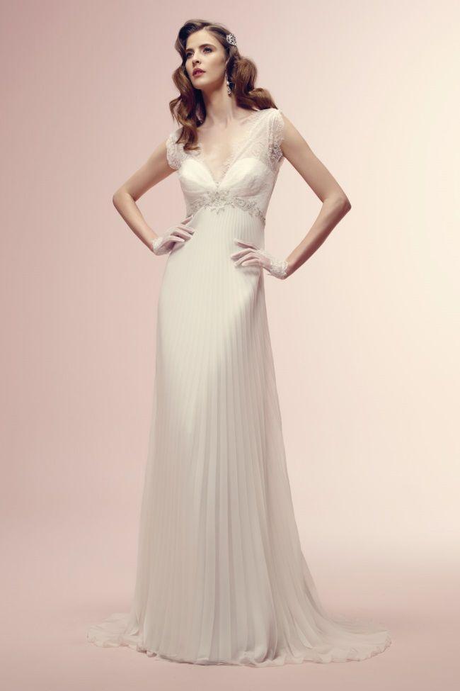 vestido de noiva #vintage ROBERTA com saia evase plissada de Alessandra Rinaudo #casarcomgosto