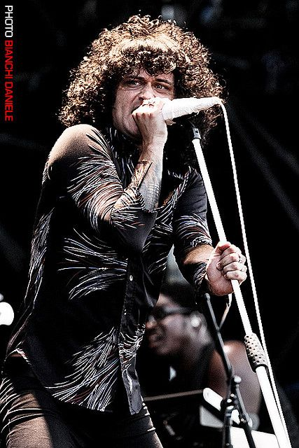 Cedric Bixler-Zavala on stage   The Mars Volta