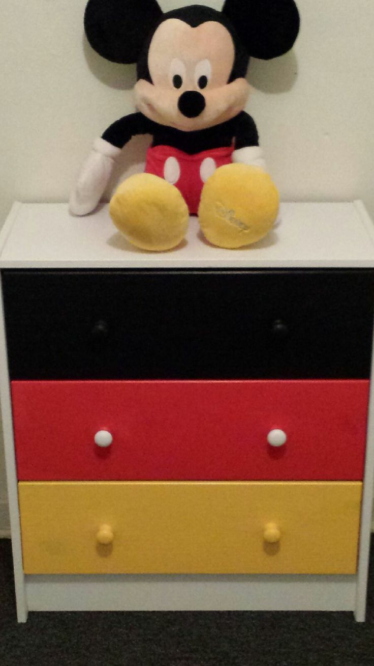 Cup of Mulatto: Mickey Mouse-inspired dresser