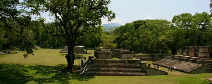 The Mayan ruins of Copán are strategically located in the heart of the Copán Valley. In 1980 it was declared a World Heritage Site by UNESCO, and considered by guides and archaeologists as the Paris of its time, the archaeological park of Copán Ruinas is a city that impresses in every way.