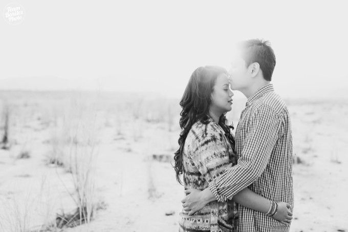 Casual Engagement Shoot In A Sandy Wilderness - 003
