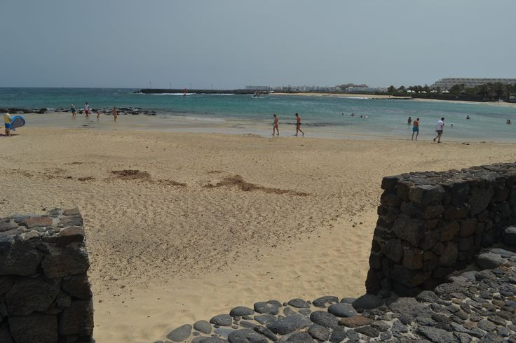 A mixed forecast for Lanzarote, cloudy first thing, clearing for a couple of hours this morning, then clouding over around midday before clearing again with more sunshine this afternoon. Wind 20-25 km/h from the North & gusts up to 50km/h. 27 degrees. Image: Costa Teguise Published: 3 July 2014