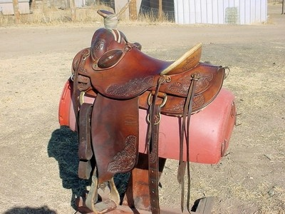 TOM BERRY 16' CUSTOM HIGH BACK ROPING WORKING SADDLE RANCH