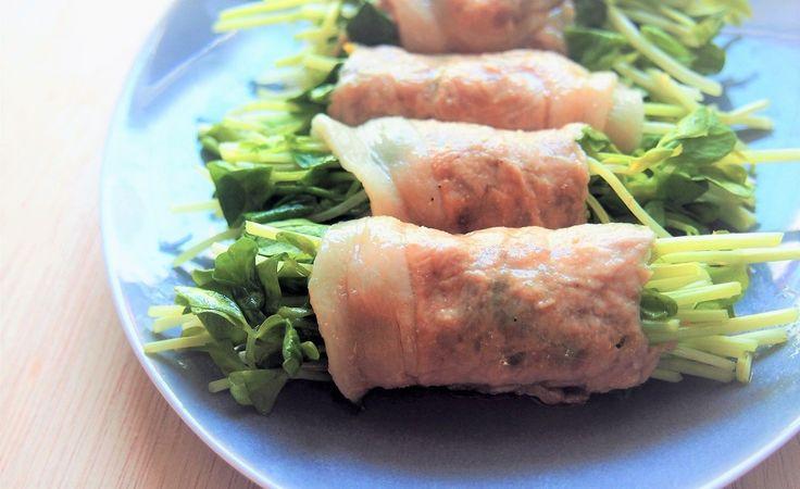 手軽で安い食材・豆苗を豚肉でくるっと巻いて、電子レンジを使うだけの簡単レシピを紹介します。ヘルシーで簡単で、おつまみやおかずにもオススメです。