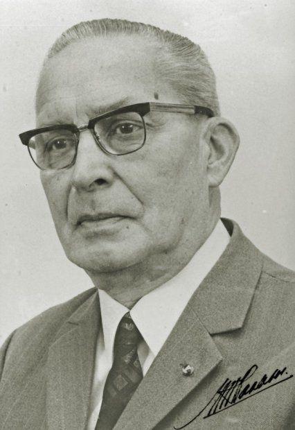 Ir. M.G.A. Haalebos werd hoofd van de Verificatie van de Rijkszee- en Luchtvaarinstrumenten op 16 nov 1956 en bleef dat tot zijn pensioen in 1972