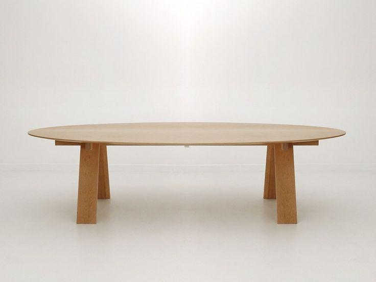 Téléchargez le catalogue et demandez les prix de Trave oval by Branca-lisboa, table ovale en chêne design Marco Sousa Santos