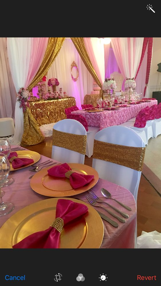 Fussia pink and gold sweet 15th celebrations    CatchMyParty.com