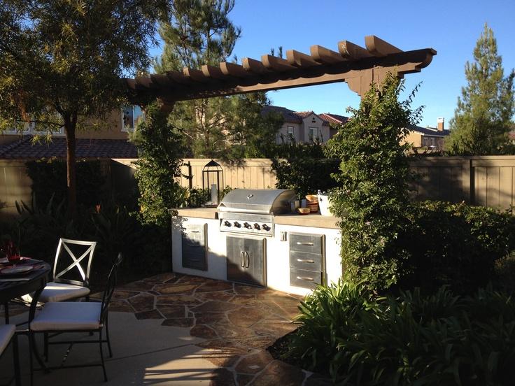 trellis to block neighbors yard ideas pinterest trellis. Black Bedroom Furniture Sets. Home Design Ideas