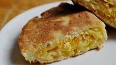 Нежное тесто на кефире в сочетании с начинкой из капусты.