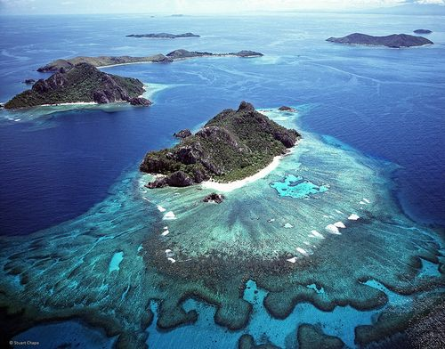 Monuriki is an uninhabited tiny island in the Pacific Ocean, off the coast of Viti Levu in a group of islands known as the Mamanuca Islands