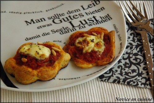 Je vous présente une recette de pizza réalisé avec les produits d'un de mes partenaires Fruits secs du web. Une recette rapide, simple et qui plait toujours... Avec une petite touche de mascarpone qu'on ne retrouve pas souvent sur des pizzas. A vos fourneaux!...