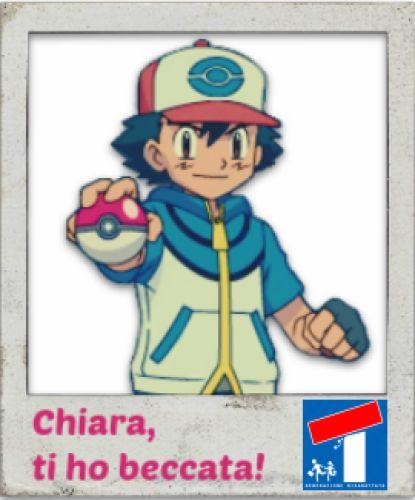 Nunzio torna a Napoli per parlare con Chiara, irriconoscibile grazie al suo infallibile travestimento da Ash Ketchum dei Pokémon.  Quanto ci sei mancato Un posto al sole!  #unpostoalsole #upas #pokemon #ashketchum #ironia #cinismo #programmitv #tv #raitre