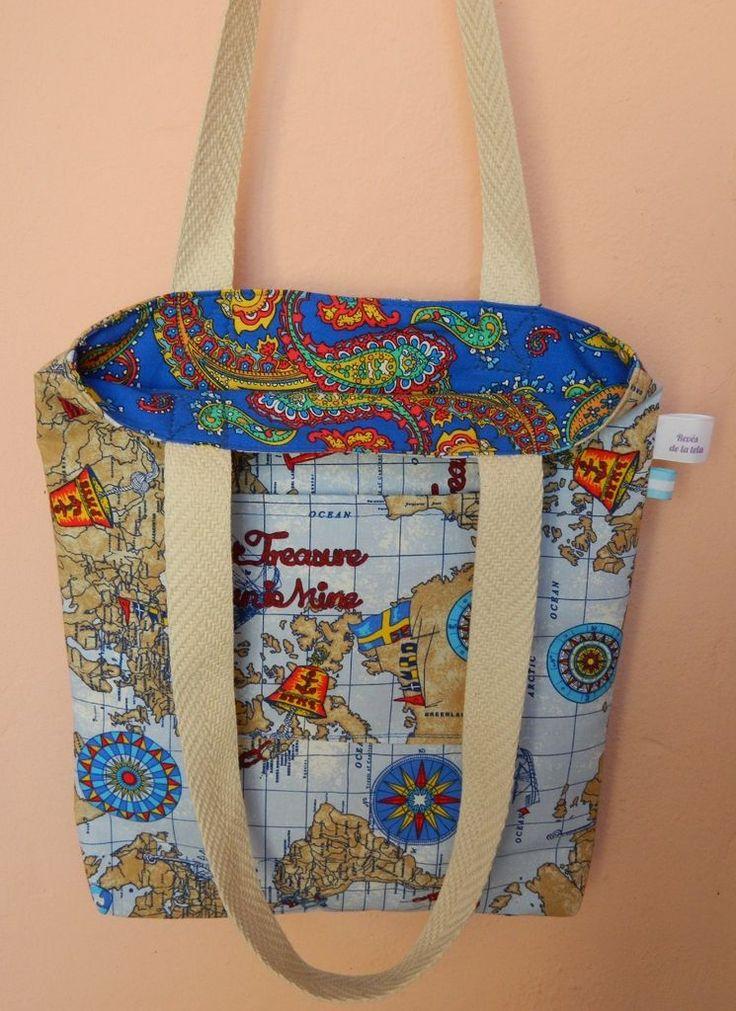 ¡Mirá nuestro producto! Si te gusta podés ayudarnos pinéandolo en alguno de tus tableros :) - Bolsa Reversible - 30x35x3 cm