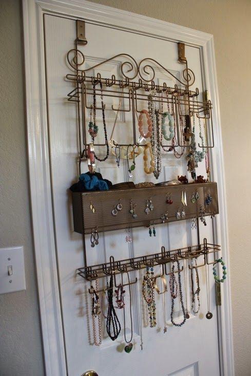 Overdoor/Wall Jewelry Organizer - Review and Giveaway http://www.weidknecht.com/2014/05/overdoorwall-jewelry-organizer-review.html