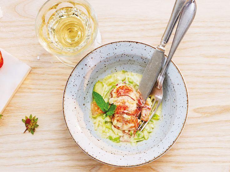 Hummer, fänkål, sparris och fänkål i citron- och myntaemulsion | Recept från Köket.se