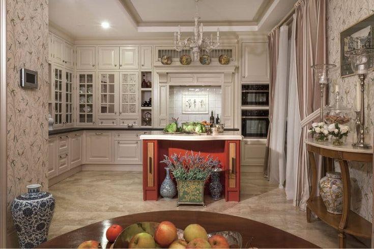 Тканевые обои в интерьере классической кухни