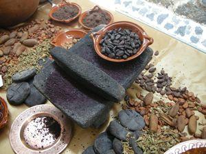 Como hacer chocolate de metate de la manera tradicional al estilo de Jose Ramon Castillo.