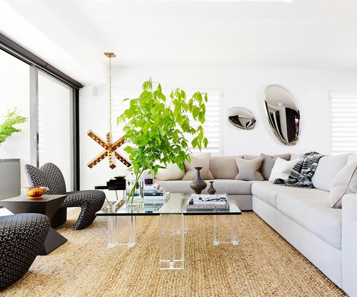 In the hands of a pair of property pros, this Sydney apartment was transformed into a spacious pad that epitomises laidback luxe.