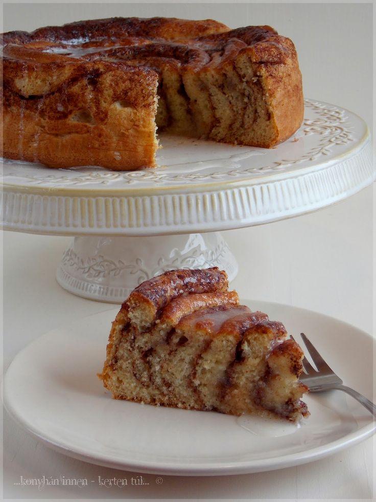 Ezt a sütemény -ami, ha nagyon akarjuk, lehet akár egy kelt torta is :)- a 28. SAD!-ra készült. A...