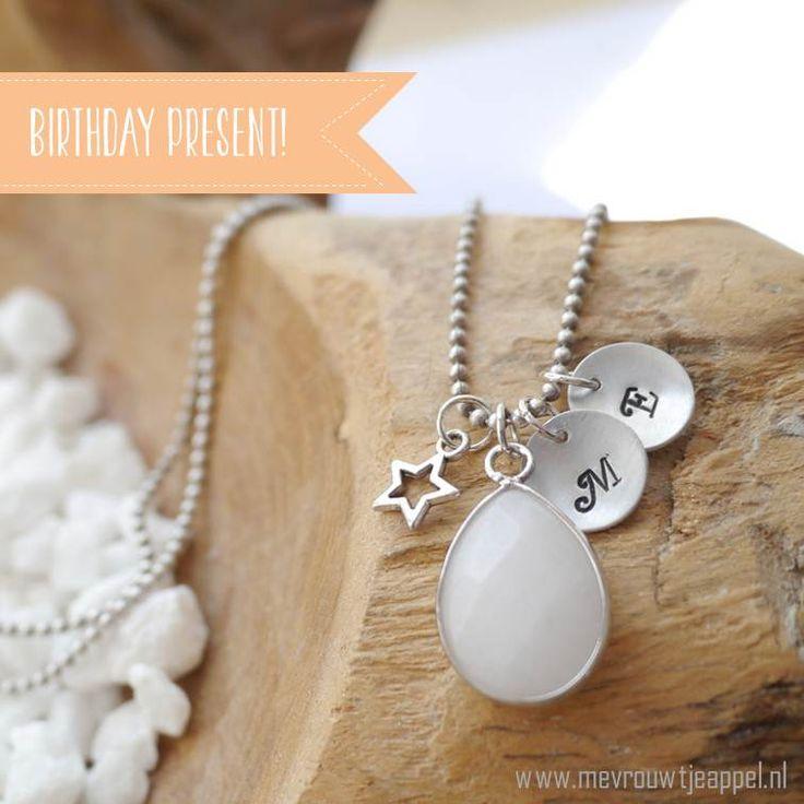 Verjaardagscadeautje voor mezelf. -> www.mevrouwtjeappel.nl