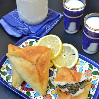 Spinach pastry triangle (Fatayer sabanekh ) | Chef in disguise