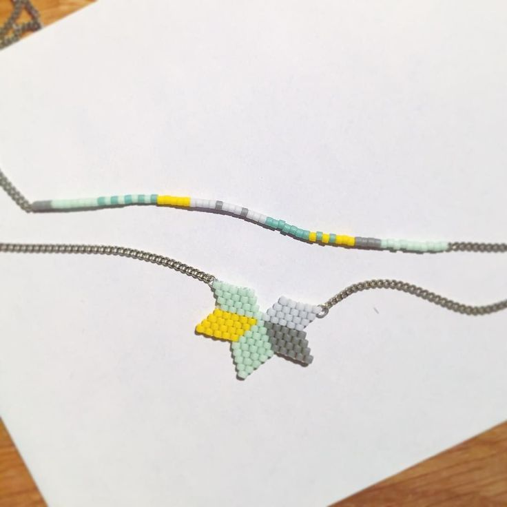 Et une variation de couleur #inspiration #scandinavian #jenfiledesperlesetjassume #collier