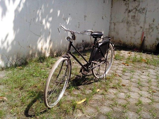 For sale sepeda ontel autentic .. bisa maju mundur..sangat antik,n masih orisinil semua, plis pm for the price
