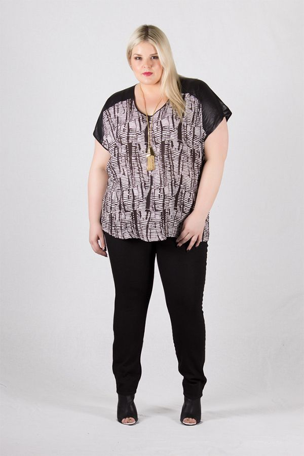 This is Meagan Kerr: Hello Harlow Denim… | Paint It Black skinny leg jeans from @harlowstore