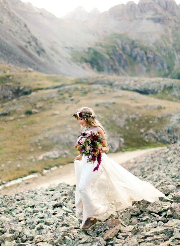 (For the mountain elopement of your dreams.)