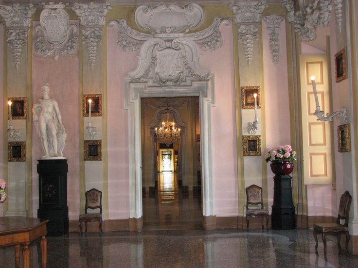 A view of one of the magnificent rooms at the palace on Isoòa Bella, Stresa, on Lake Maggiore, only 30 min drive from our rental apartment. Below is the link to a video from our rental apartment in Residenza Il Pascia. Via Nazionale 70 Oggebbio (VB) 28844, Italy. https://www.youtube.com/watch?v=pKHH1QseBJ4