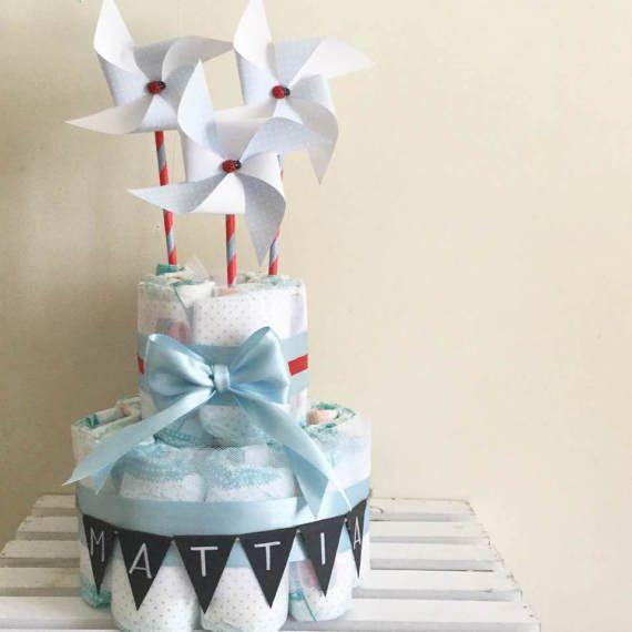 Torta di pannolini con girandole di IlLaboratorioDiSara su Etsy - diaper cake, torta di pannolini, girandole, pinwheels, baby boy, pannolini, baby shower, nascita, battesimo, primo compleanno