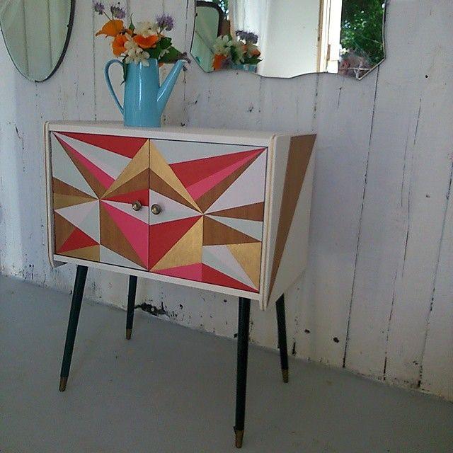 #recordcabinet #geometricpatterns #midcenturyrecordcabinet