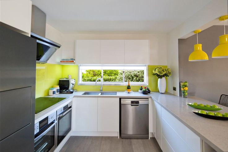 Caesarstone Concrete-look Kitchen Wows the Judges on House Rules