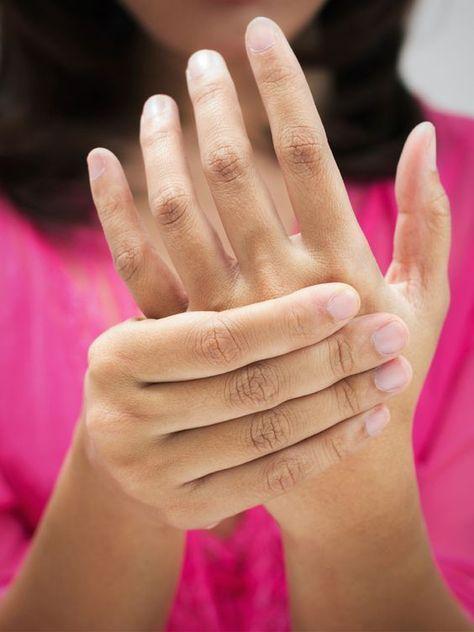 Fibromyalgie ist eine heimtückische Krankheit unter der knapp drei Millionen Deutsche leiden - überwiegend Frauen. Die Ursache des