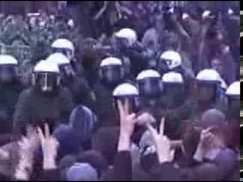 Atari Teenage Riot - Live bei 1. Mai Demo 1999 In Berlin    ~~~~~VF~~~~~~~  protesto
