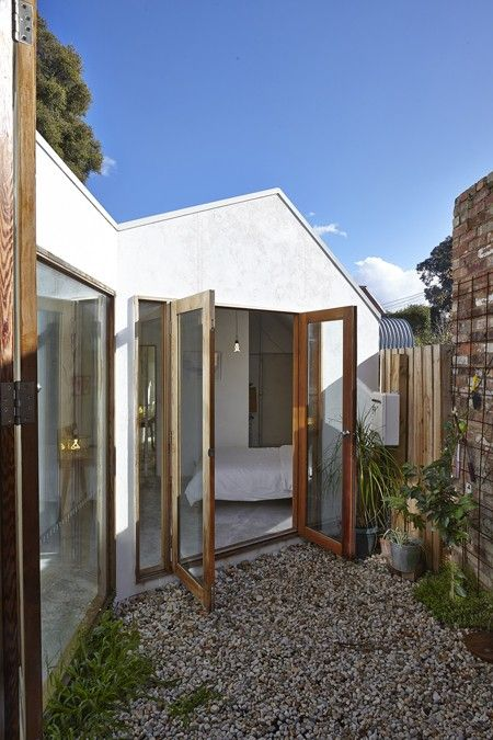 Edwards Moore Home in Melbourne with Small Interior Courtyards, Gardenista