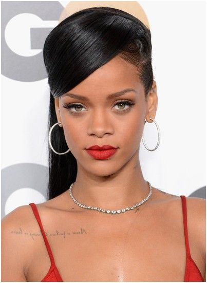 Home » Female Celebrity Hairstyles » Rihanna Hairstyles » Pretty Classic Straight Ponytail Hairstyles: Rihanna Long Hair