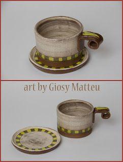 l'arte di Giosy: tazza    Una tazza con piattino, grès marrone, engobbio...