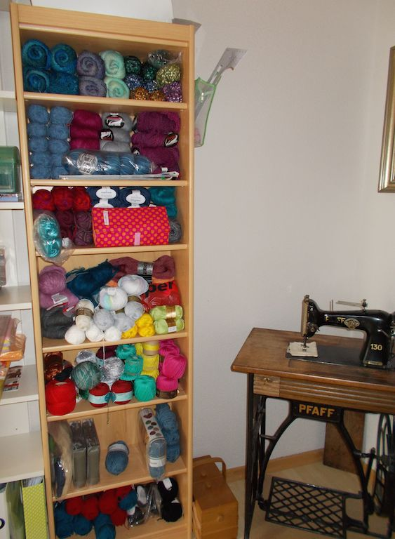 another happy customers knitting needle roll in its natural habitat :)