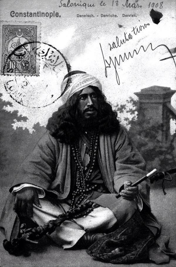 1908'e ait bir kartpostalda bir derviş #istanbul  #istanlook